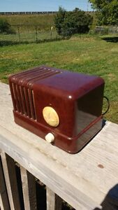 GENERAL ELECTRIC ANTIQUE TUBE RADIO MODEL GD500 Kawartha Lakes Peterborough Area image 1