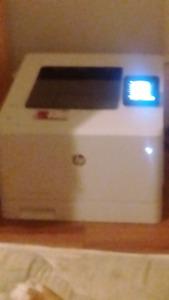 HP colour laser jet pro M452dw