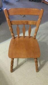 table avec 6 chaises et vaissellier Gatineau Ottawa / Gatineau Area image 4