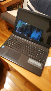 Acer E1 in very good condition
