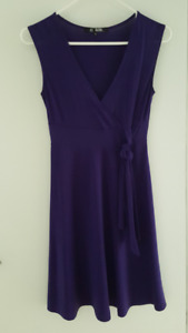 Pretty Purple Knee Length Dress Size S