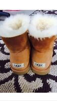 $150! Like New UGGS Size 8!