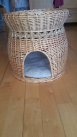 2 Level Wicker Cat Basket with cushions