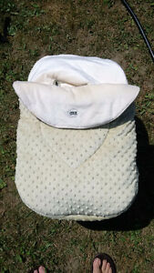 New Jolly Jumper Cuddle Bag with Head Hugger - In Bag Kingston Kingston Area image 1