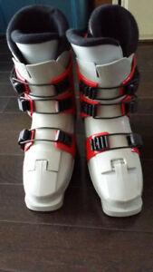 Used downhill ski boots female size 5