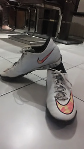 Nike Indoor soccer shoes (size 9.5)