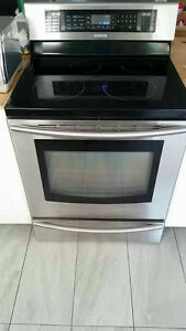Samsung Stainless Steel Stove in excellent condition