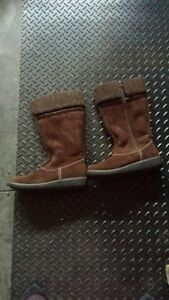 BROWN SUEDE BOOTS. BRAND NEW
