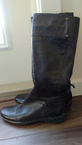 Ladies boots for sale. Size 7.5