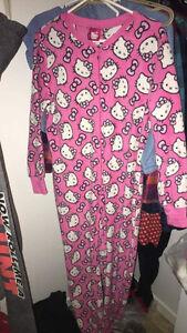 Vêtements d'adolescentes à vendre