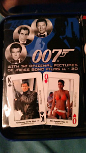 James Bond 007 40th anniversary collector tin 2 decks of cards