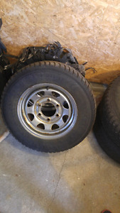 4 rims 6 nuts nissan pick up 1994