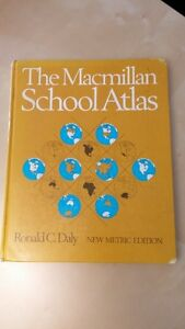 Children's dictionary (8 English 3 French) excellent condition West Island Greater Montréal image 7