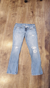 Two pairs of womens jeans! Brand name american eagle