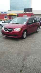 2011 Dodge Grand Caravan stow And go, TV dvd Minivan, Van