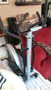 AMAZING DEAL! ELLIPTICAL exercise machine on rollers. Mint cond. Kingston Kingston Area image 2