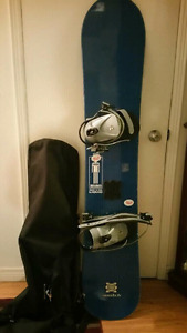 Switch Snowboard including deluxe carry bag