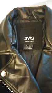 Women's tweed and faux leather coat size small Windsor Region Ontario image 3