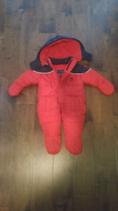 Snowsuit size 6-9m made small