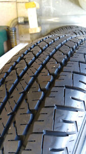 Winter tire (4) Pnues d'hiver  225/65R16 - Firestone