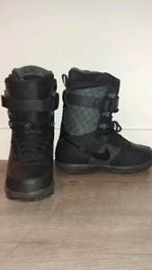 Snowboard Boots: Nike Zoom Force 1 (Women's size 8)