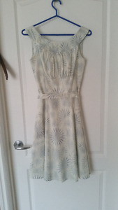 Vintage Style white/blue Dress w/ Scoop Neck