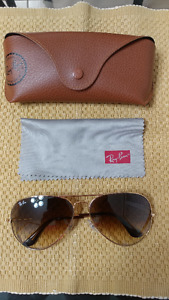 Ray Ban Large Aviators  Mint Condition