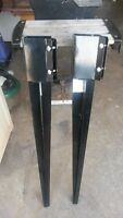2 metal fence stakes