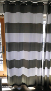 Curtains 4 pieces.
