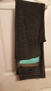 Lululemon yoga pants-size 6