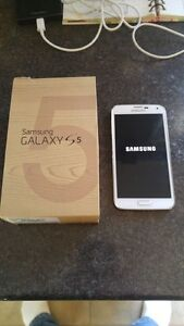 (ROGERS/FIDO) 16GB SAMSUNG GALAXY S5 INCLUDE BOX + CHARGER