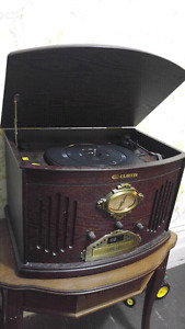 Vintage looking turntable/cd/radio