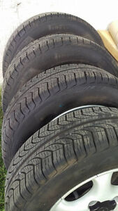 4 Pneus Pirelli P4 Four Season Plus 185/65/R14