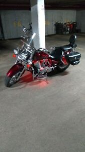 honda shadow  tres bas millage