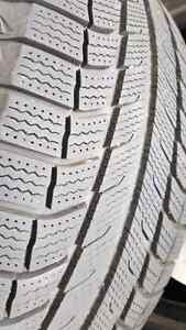 4 Winter tires Michelin x-ice 275/55/20 like new  $700 for 4 West Island Greater Montréal image 3