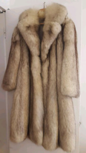 Manteau en vraie fourrure/Real fur coat