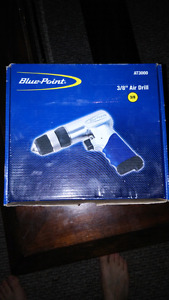Brand new. Never used air drill