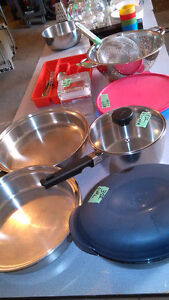 GARAGE SALE on line .............KITCHEN ITEMS SOME NEW from $1
