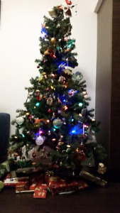 5 foot tall artificial Christmas tree