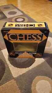 NHL CHESS Game COLLECTORS EDITION *RARE*