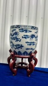 Vintage Chinese Blue White Double Dragons Porcelain Pot