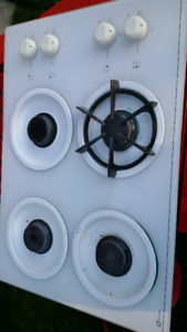 Maytag  Gas Stove Top,  WORKS GREAT, all burner grates