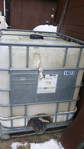 Large 1000 liter container