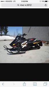 Ski  doo MXZ X 800 2012  Etek Extra Propre