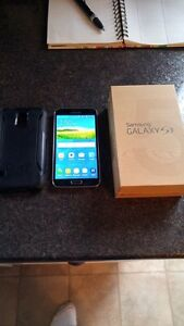 (ROGERS/FIDO) 16GB SAMSUNG GALAXY S5 INCLUDE CHARGER + OTTER BOX