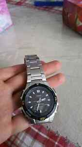 Belle montre Casio comme neuf