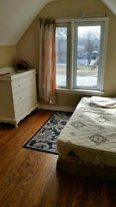 A  room available now, QEW and Lake St