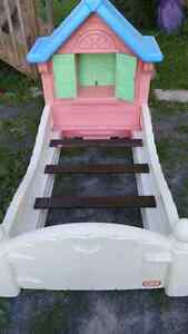 Little Tikes Cottage Toddler Bed
