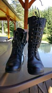 Ladies combat style boot