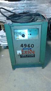 Chargeur 120 volts-22 amp.,usager,bonne condition.